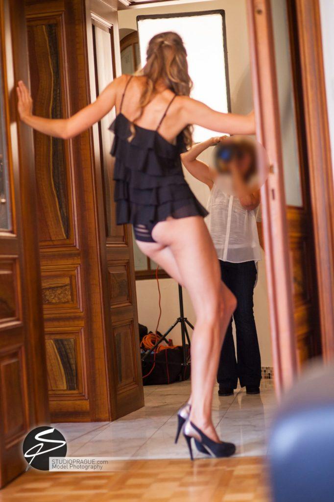 Nude & Glamour Photography Courses In Prague - StudioPrague & Dan Hostettler Photo Workshops - Behind The Scenes - B1 - 001