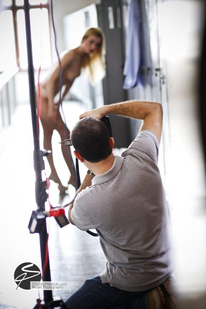 Nude & Glamour Photography Courses In Prague - StudioPrague & Dan Hostettler Photo Workshops - Behind The Scenes - B1 - 002