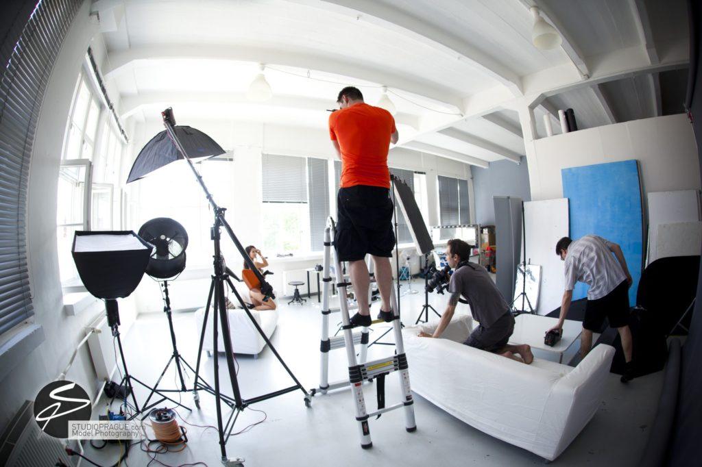 Nude & Glamour Photography Courses In Prague - StudioPrague & Dan Hostettler Photo Workshops - Behind The Scenes - B1 - 005
