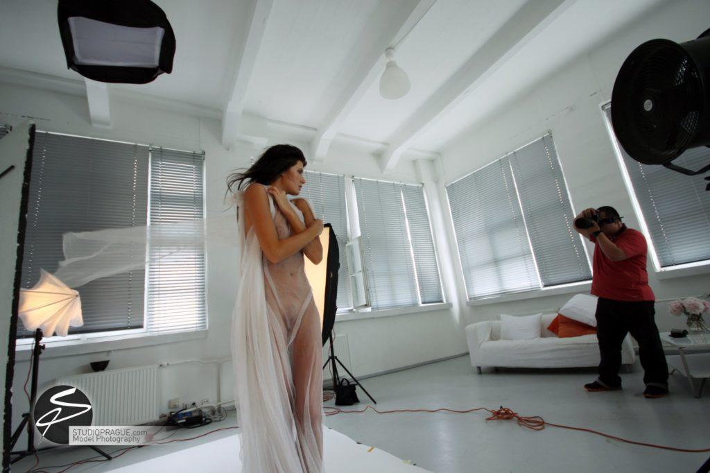 Nude & Glamour Photography Courses In Prague - StudioPrague & Dan Hostettler Photo Workshops - Behind The Scenes - B1 - 008