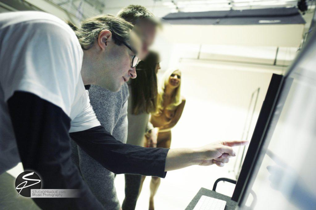 Nude & Glamour Photography Courses In Prague - StudioPrague & Dan Hostettler Photo Workshops - Behind The Scenes - B2 - 001