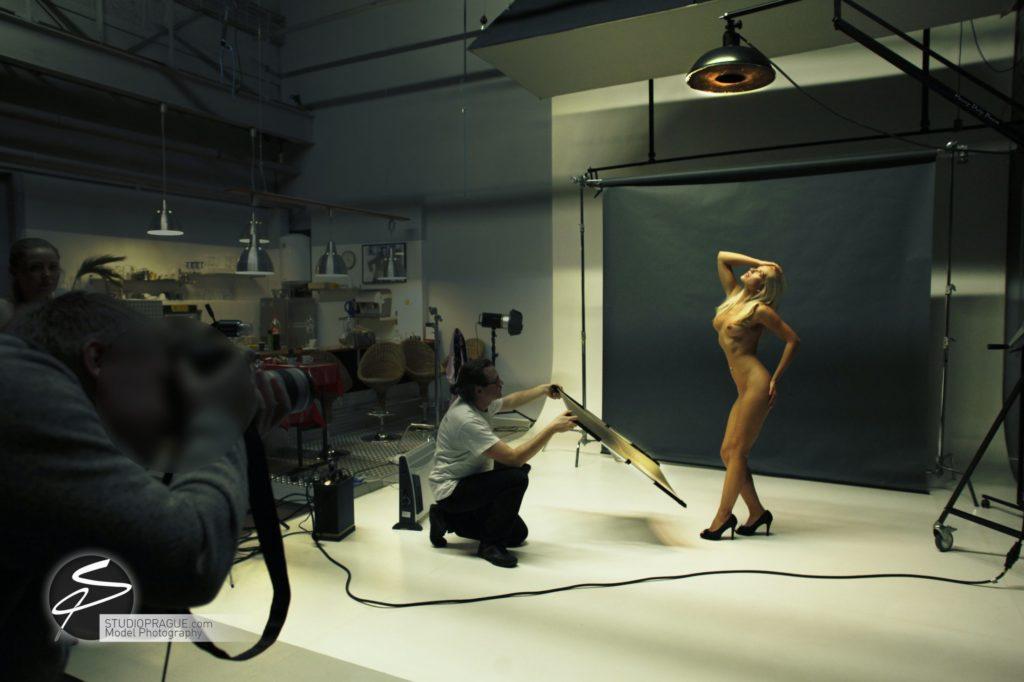 Nude & Glamour Photography Courses In Prague - StudioPrague & Dan Hostettler Photo Workshops - Behind The Scenes - B2 - 002