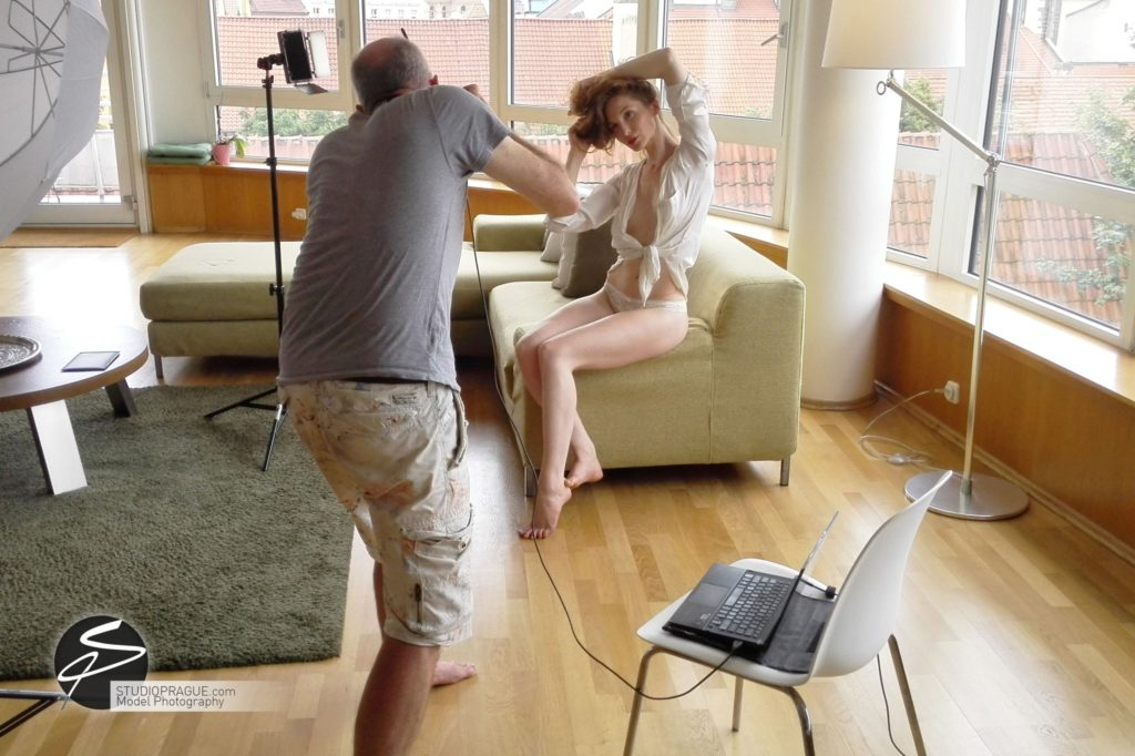 Nude & Glamour Photography Courses In Prague - StudioPrague & Dan Hostettler Photo Workshops - Behind The Scenes - B2 - 005