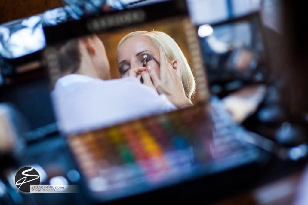 Nude & Glamour Photography Courses In Prague - StudioPrague & Dan Hostettler Photo Workshops - Behind The Scenes - B2 - 006