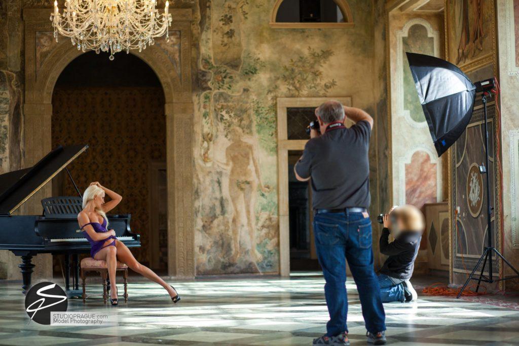 Nude & Glamour Photography Courses In Prague - StudioPrague & Dan Hostettler Photo Workshops - Behind The Scenes - B2 - 007