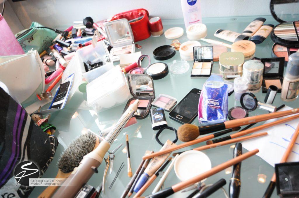 Nude & Glamour Photography Courses In Prague - StudioPrague & Dan Hostettler Photo Workshops - Behind The Scenes - B2 - 008