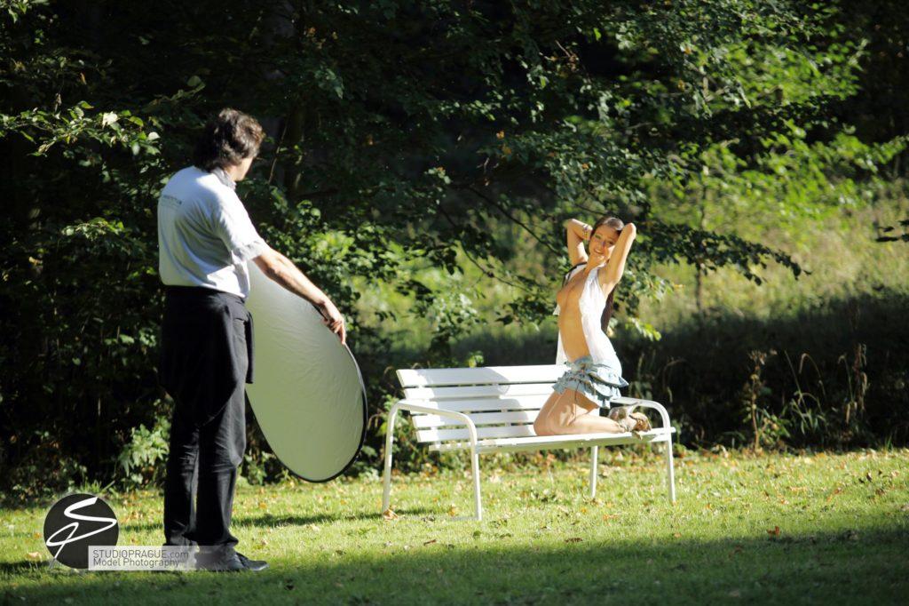 Nude & Glamour Photography Courses In Prague - StudioPrague & Dan Hostettler Photo Workshops - Behind The Scenes - B2 - 010