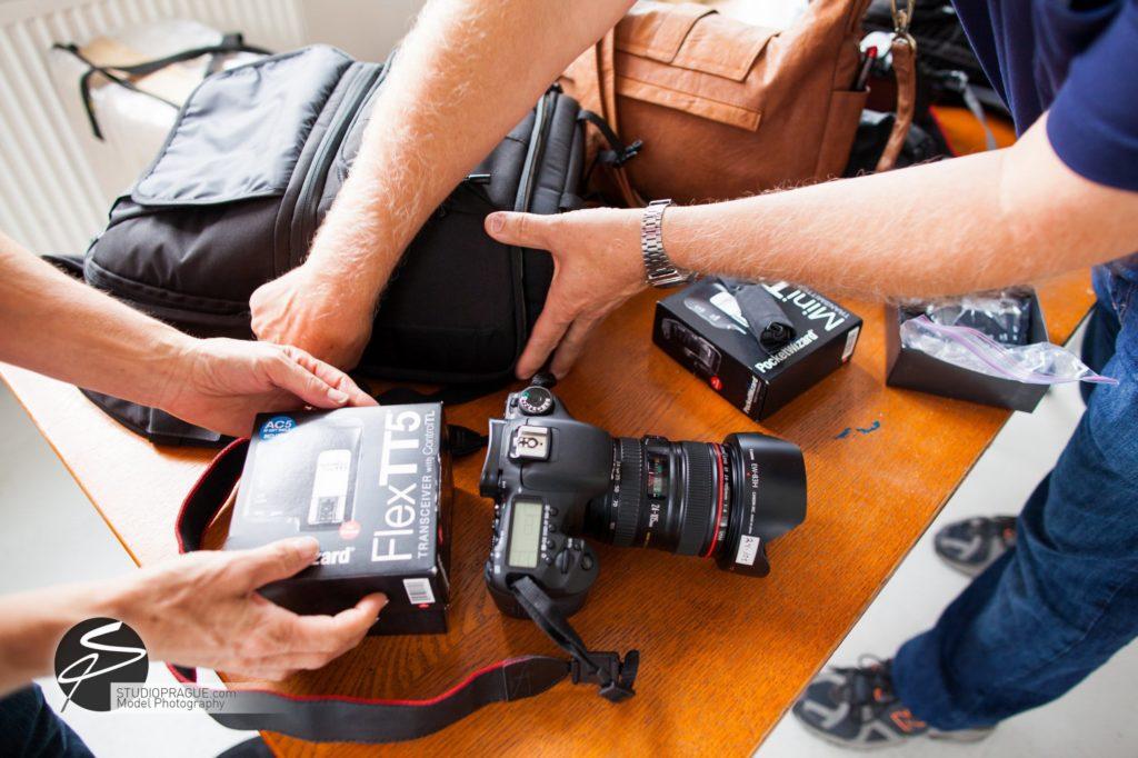 Nude & Glamour Photography Courses In Prague - StudioPrague & Dan Hostettler Photo Workshops - Behind The Scenes - B2 - 012