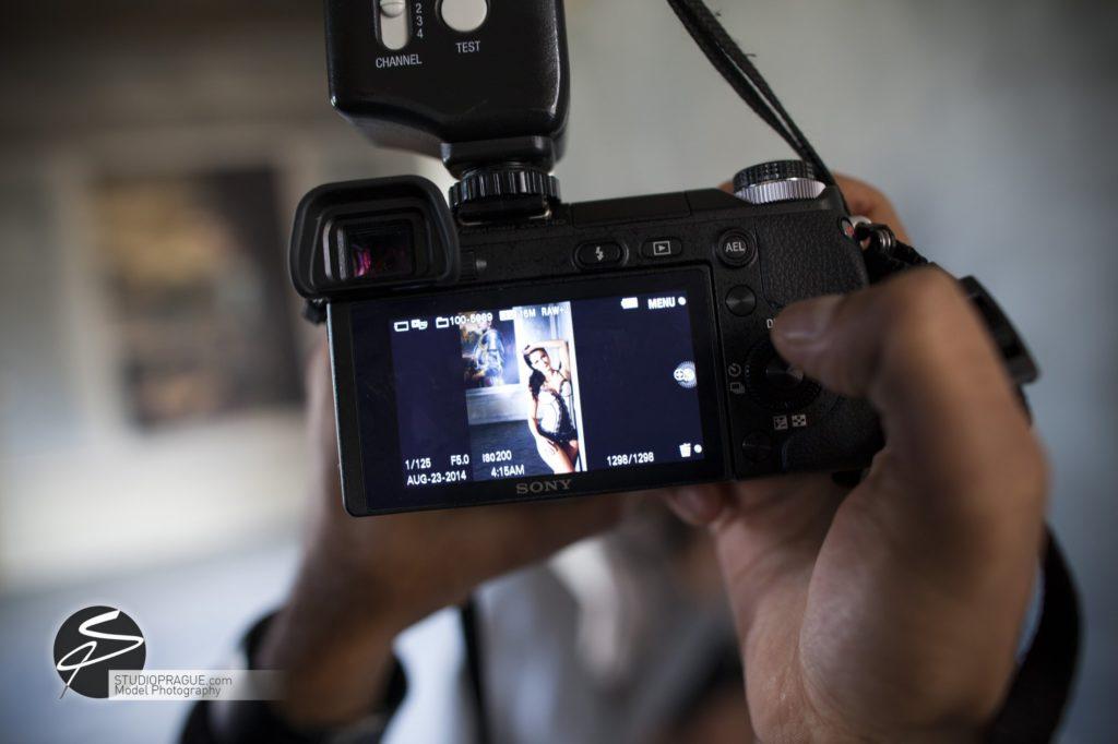 Nude & Glamour Photography Courses In Prague - StudioPrague & Dan Hostettler Photo Workshops - Behind The Scenes - B2 - 017
