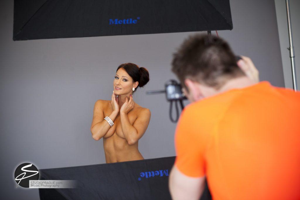 Nude & Glamour Photography Courses In Prague - StudioPrague & Dan Hostettler Photo Workshops - Behind The Scenes - B2 - 021