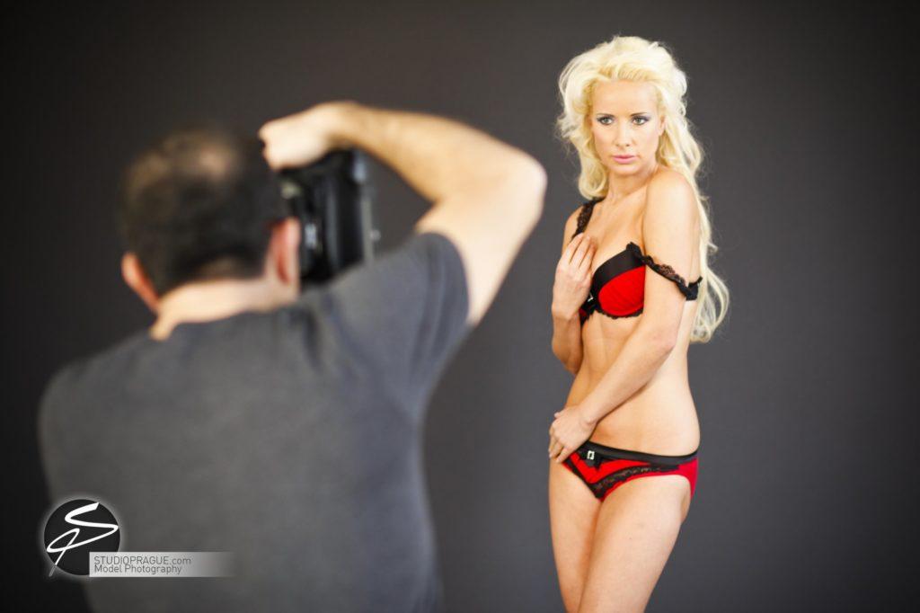 Nude & Glamour Photography Courses In Prague - StudioPrague & Dan Hostettler Photo Workshops - Behind The Scenes - B2 - 023