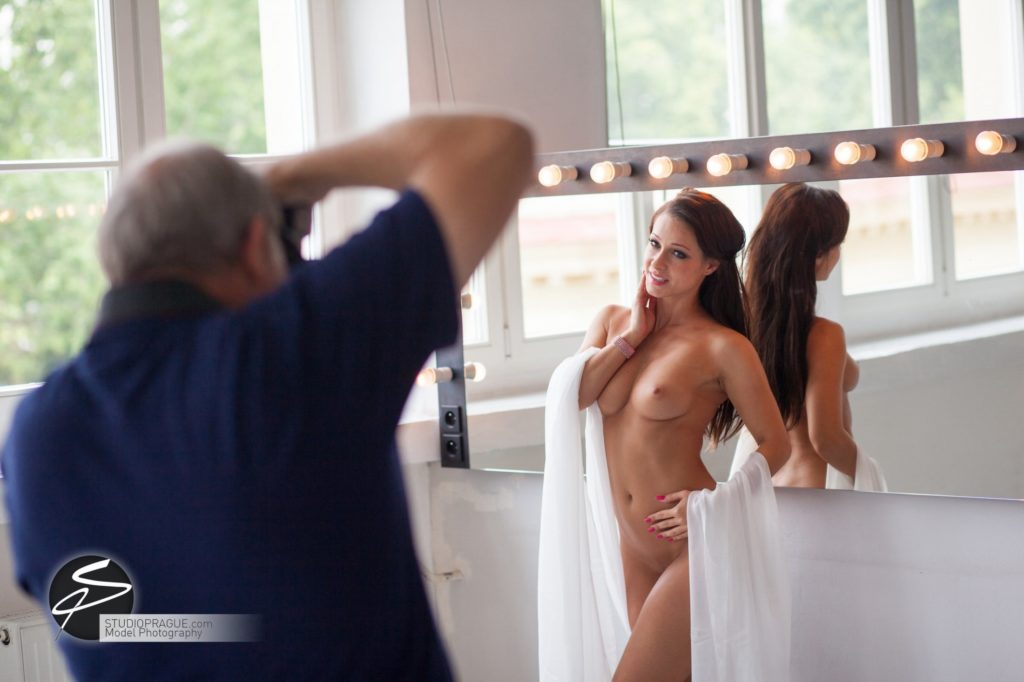 Private Nude Photography 2 Days EduShoot - StudioPrague Photo Workshops - Impressions & Behind The Scenes - B2 - 007