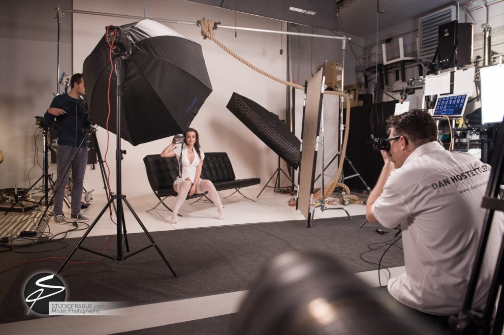 Behind The Scenes Impressions - Glamour Model Productions & Nude Photography Workshops - LIVE Photo Shoot Melisa Mendini - 008