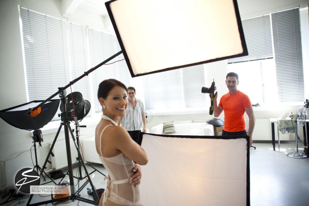 Behind The Scenes Impressions - Model Productions & Nude Photography Workshops - Dan Hostettler - 072