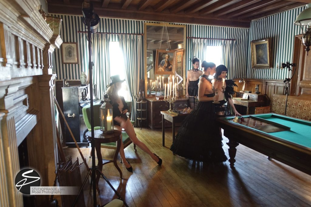 Behind The Scenes Impressions - Model Productions & Nude Photography Workshops - Dan Hostettler - 087
